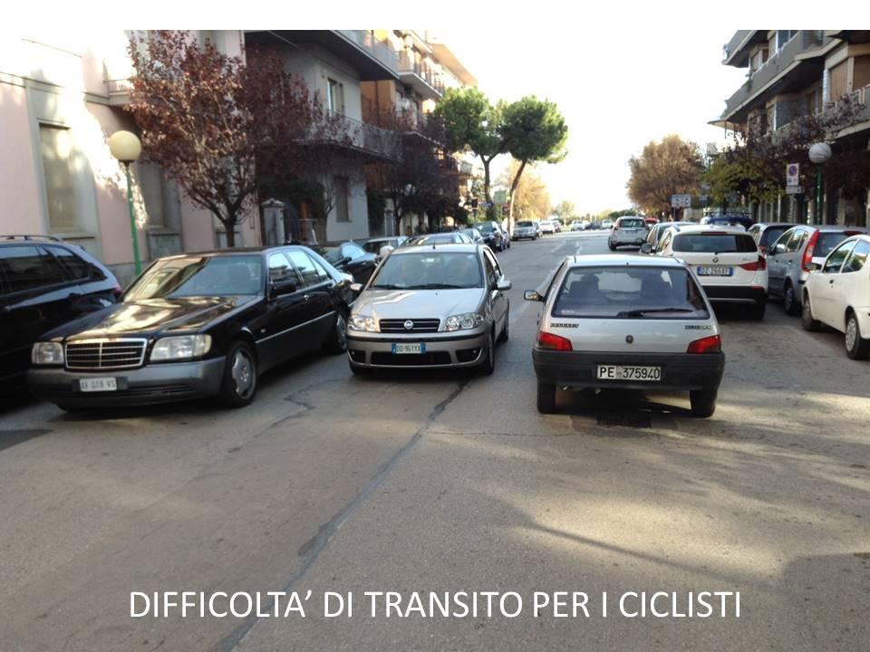Parcheggi in doppia fila: situazioni ricorrenti