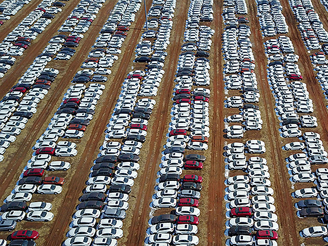 Meno parcheggi per tutti: uno studio dell'Economist